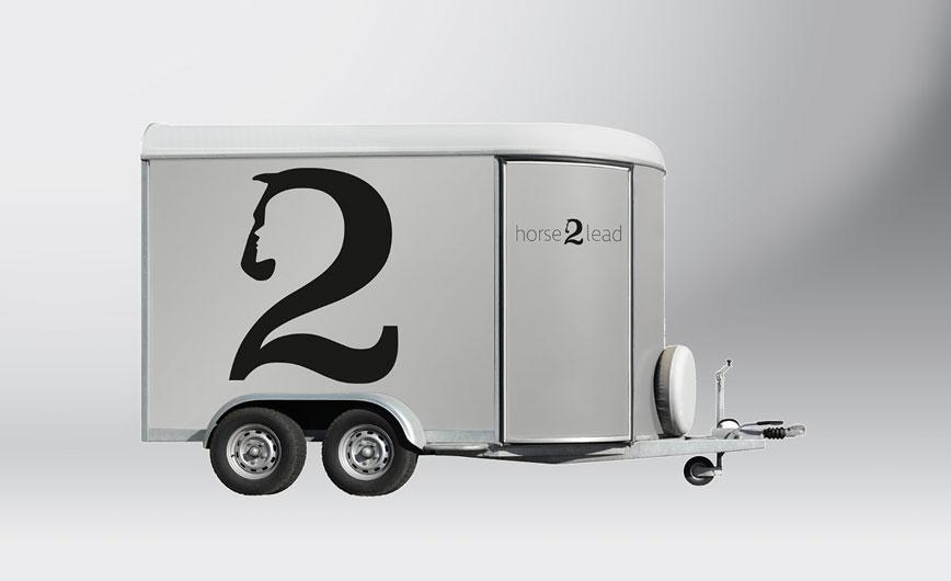 Fahrzeugbeschriftung, Adaption des Logos auf einem Fahrzeug